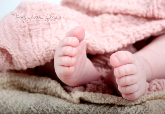 Samantha 4weeks old_109 edited LOGO