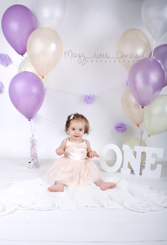 birthday ONE year old session_208 edited LOGO